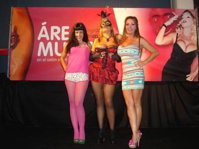 SEB 2013 | Roser Amills con Musa Libertina y Bibian Norai en el Área Mujer