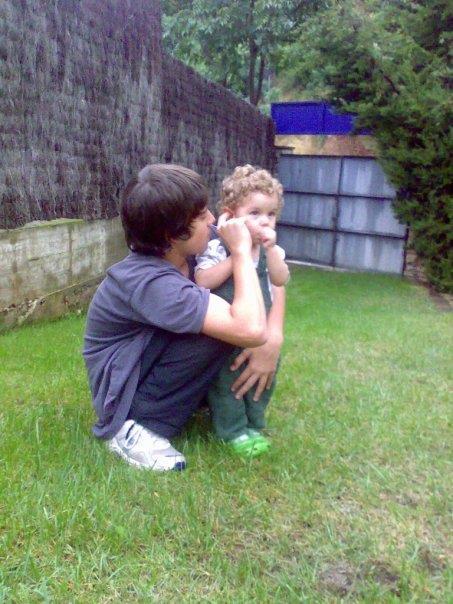 Muy orgullosa de las fotos que le hace mi hijo mayor a mi hijo pequeño!!