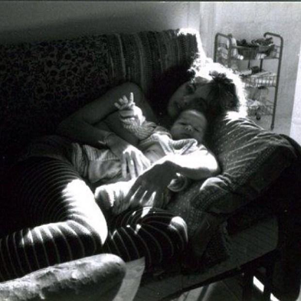 Roser Amills con su hijo Marcel Manzanares bebe