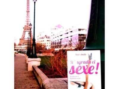 El gran Antonio H Moyano se ha llevado #magradaelsexe #megustaelsexo a París :)) [foto 1]