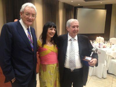 GALA | Luis del Olmo entrega el Micrófono de oro a Bieito Rubido, director de ABC punto radio