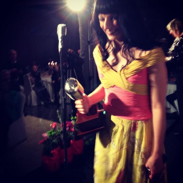 roser amills microfono de plata informadores premios apei 2014