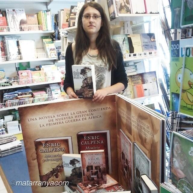 lectora de la novela de roser amills fes bondat a serret llibres