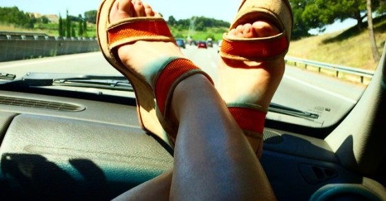 roser amills pies zapatos coche