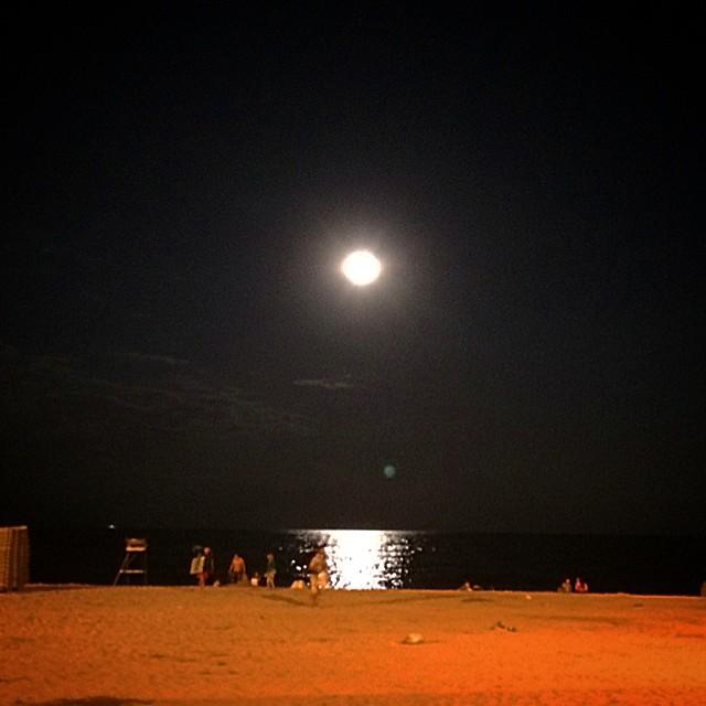 super luna en la playa verano 2014