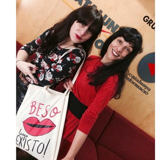 Quina alegria! Fan total de recordar petons especials @lyona_ivanova i el seu 'Kissing Kit' a les 21h a @iCatpuntcat