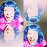 Roser Amills pelo azul