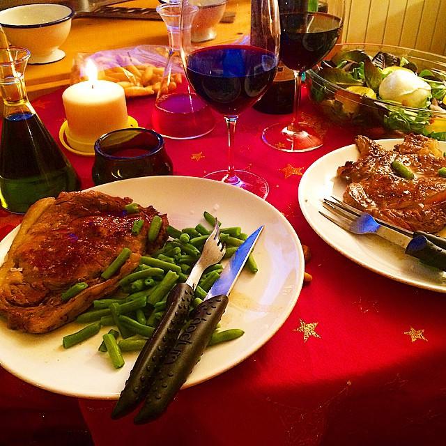 Cena año nuevo roser amills y victor amela
