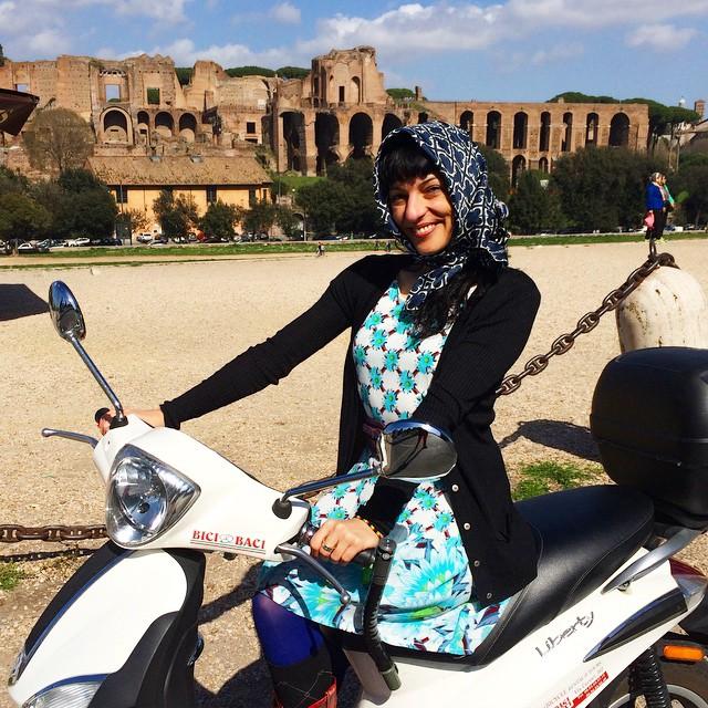 Y que no falte la #vespa en #Roma ;))
