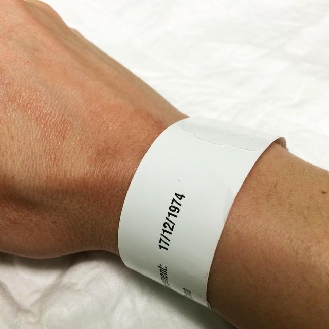 Visita de urgencias: dedo rebanado pero sobreviviré;))