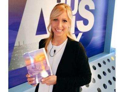 """Diu la Gisela Matejcek: """"Moltíssimes gràcies Roser!! Ja sé que llegiré a l'avió!!"""" #elecuadordeulises :))"""