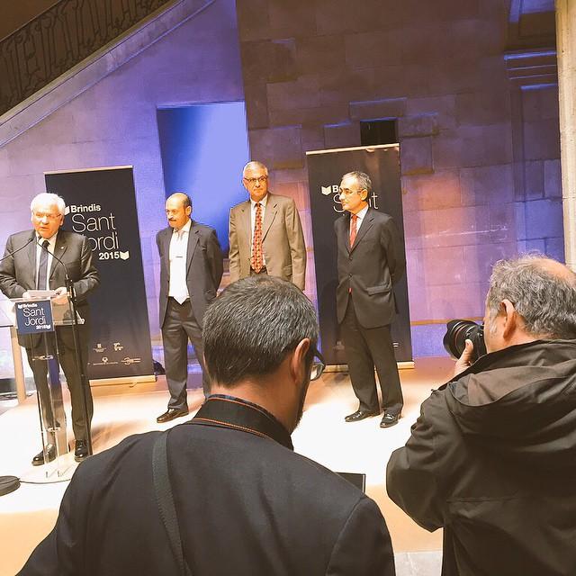 Ara, #brindisdeSantJordi al Palau Marc amb el Conseller Ferran Mascarell @cultura_cat