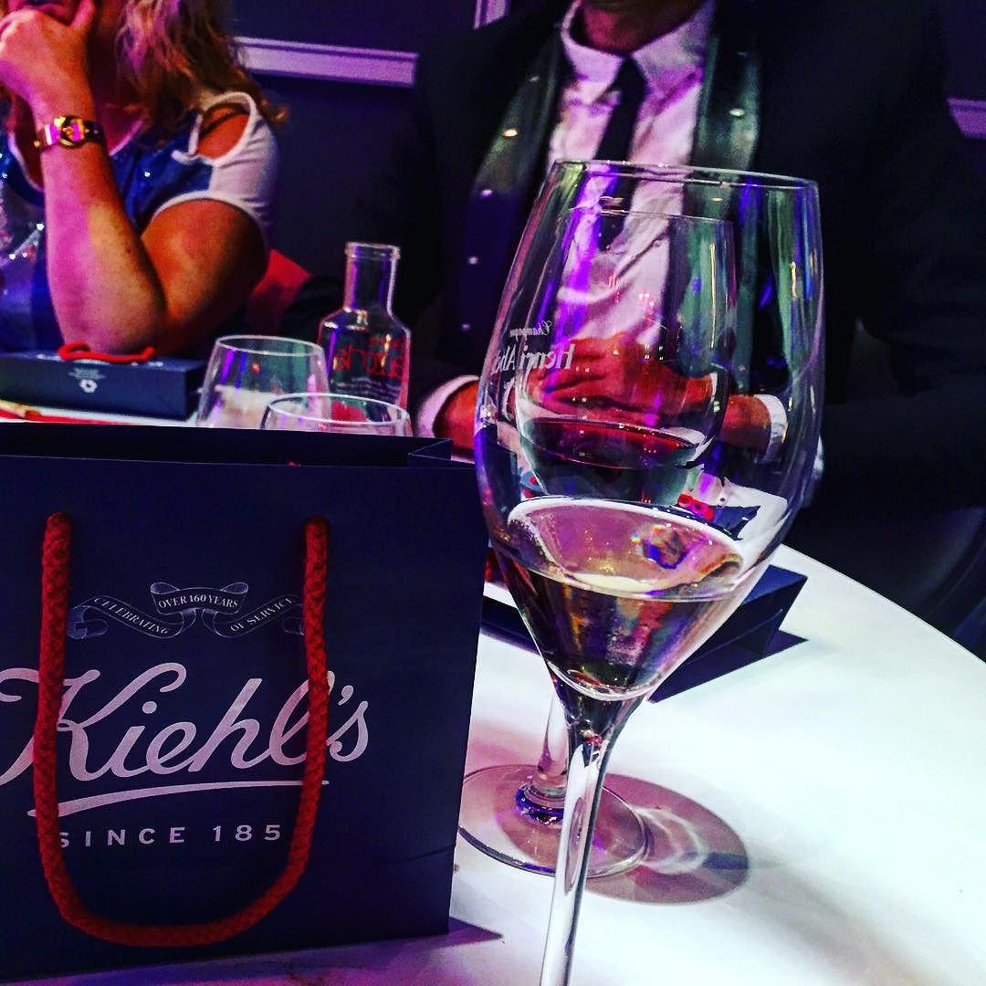 Y nos vamos con más mimos a casa, gracias #misssushiaribau #kiehls :))