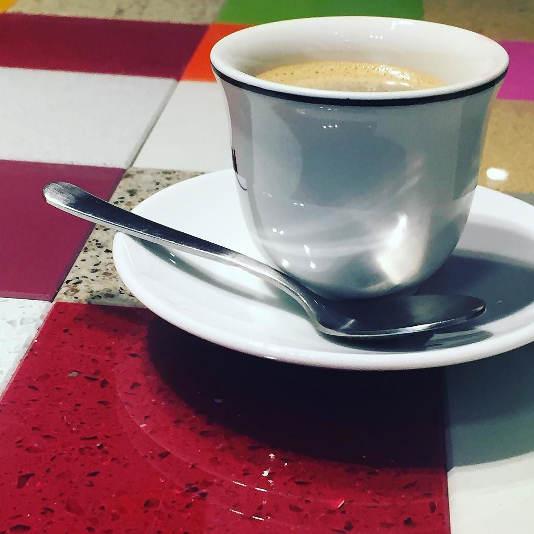 He fet un bon cafè amb @pereleon @josepcarrizo #labuenaonda #vivirenmodoavion ;))