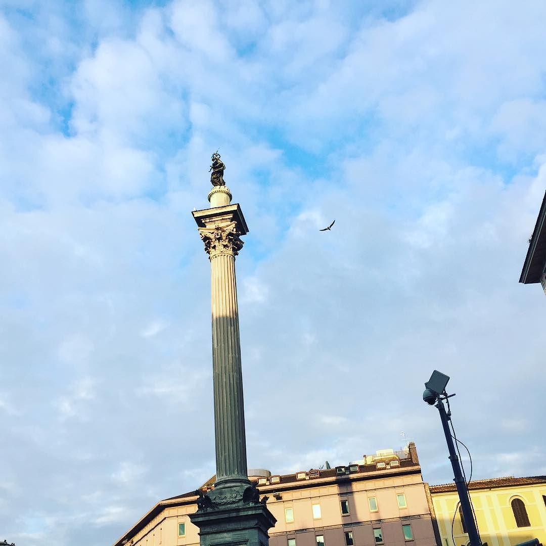 Ah! Y esta tarde el #papafrancisco ha abierto la puerta de la misericordia en #santamariamaggiore