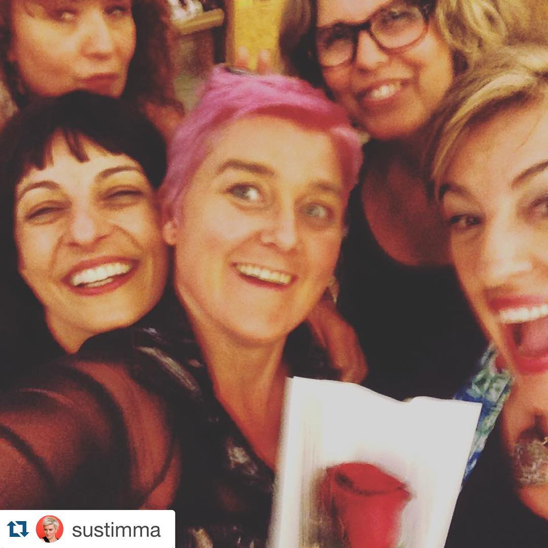 @sustimma ・・・ Momento con @roseramills visca a Amantis @ifbeditors