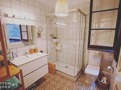 Pronto, sorpresa! By @watertapes – En este baño se van a vivir cosas sugerentes #watertapes #amillspublicwc #footheband