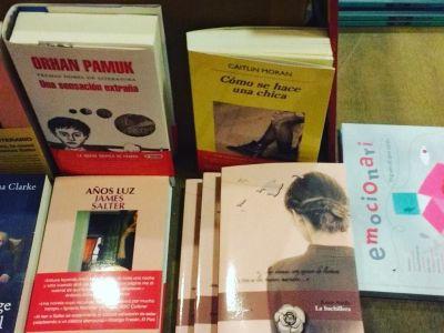 En Eme Papeleria de Palma de Mallorca os recomiendan esta selección de libros para el fin de semana 📚👓 #libros #llibres #books