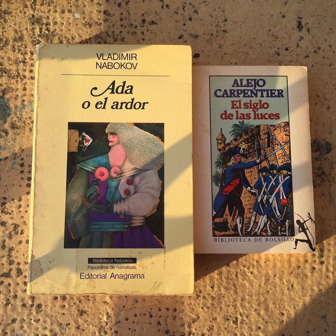 Sin filtros, con manchas de tiempo y café, dos de mis libros de cabecera #nabokov #adaorardor #alejocarpentier #elsiglodelasluces ;))