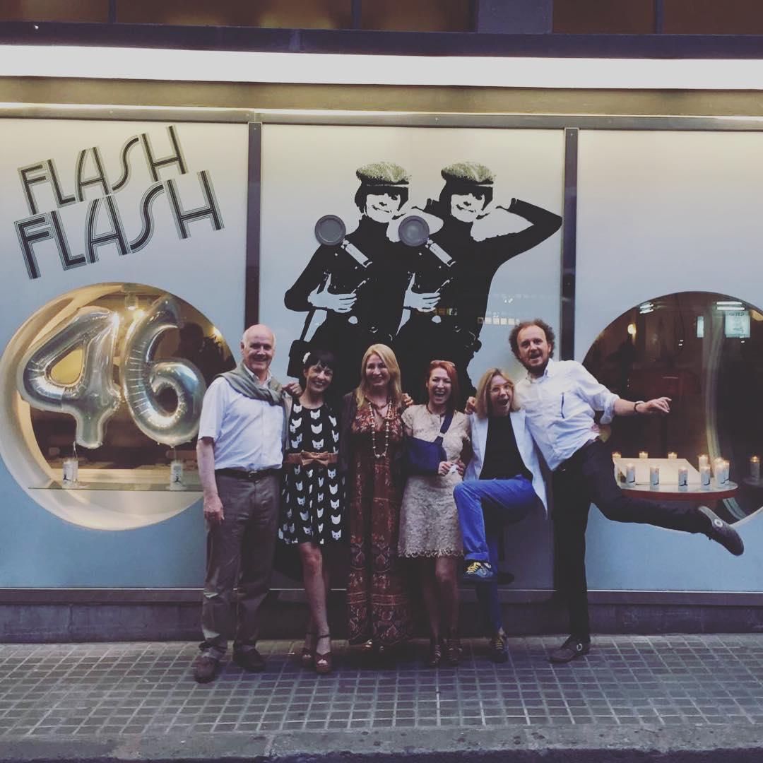 Wau, hoy cumple 46 años de inspiración y alegría el gran @flashflash_barcelona @manunextic @isa_nextic @martafeduchi