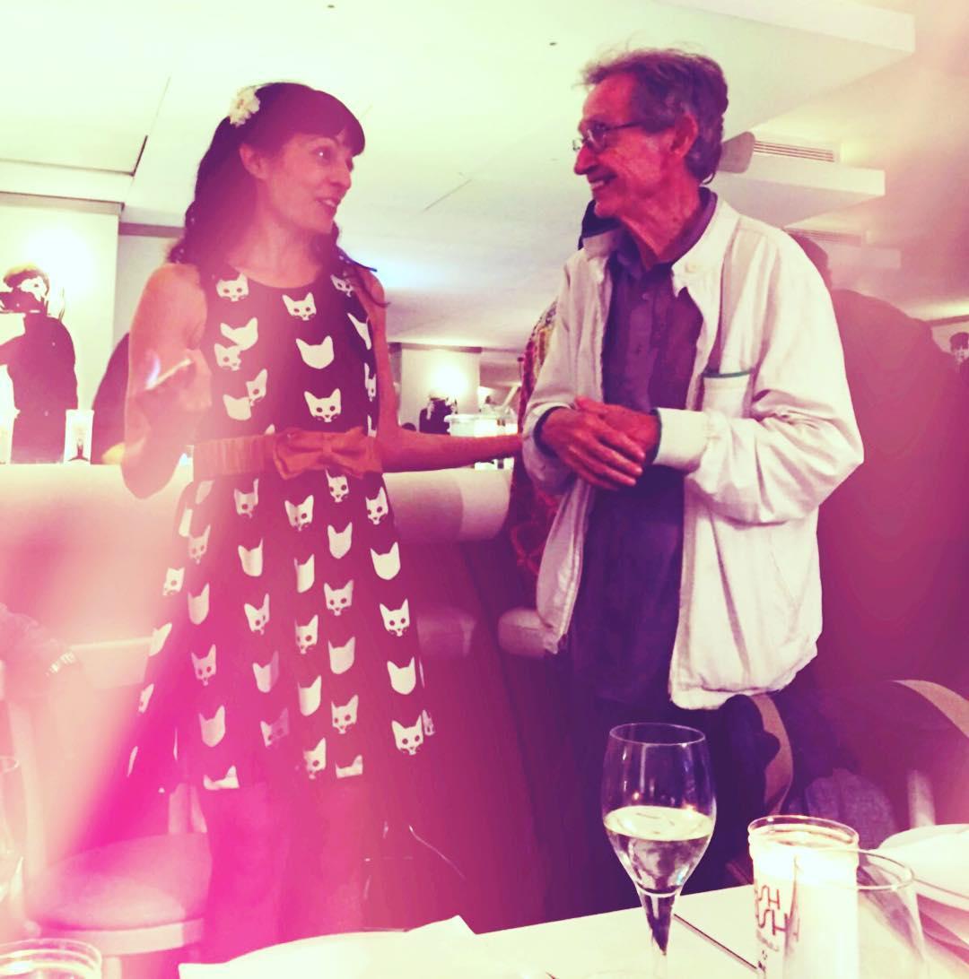 Noche especial: saludados con el cariño de siempre... Y #XavierRubertdeVentós tenía un mensaje para mi #novela2017 Gracias @flashflash_barcelona ;)) 46añosflashflash #46anysflashflash #flashflash46 #food #foodporn #yum #instafood #barcelona