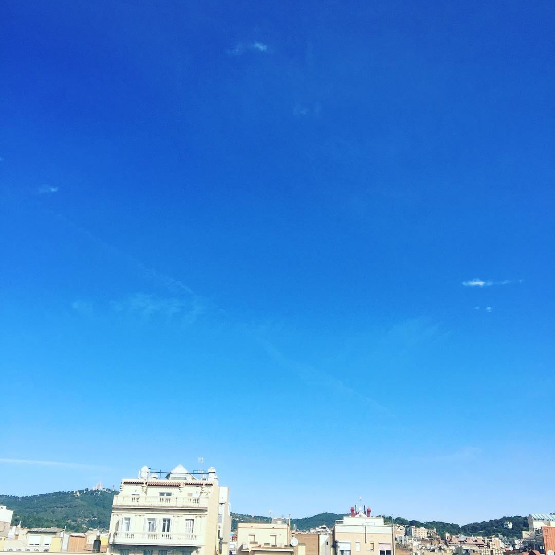 Hoy será un día bonito como este cielo, ya lo verás :))