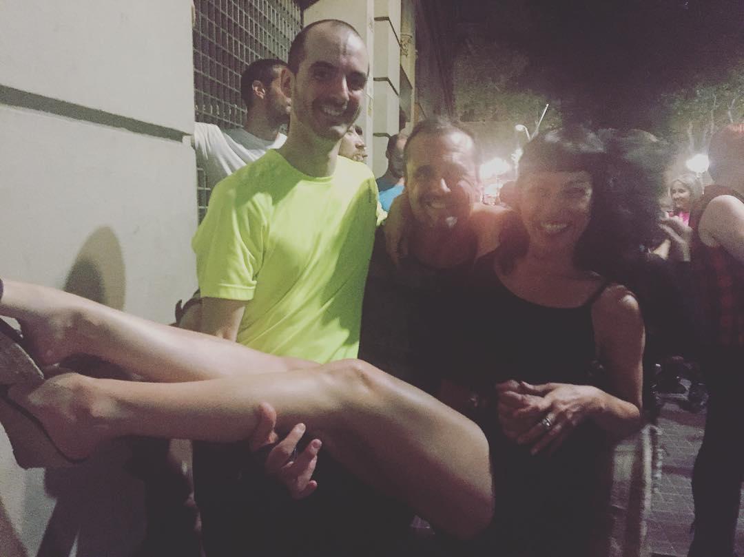 Els patinadors Joaquín i Jorge m'han ensenyat a fer una figura sobre patins :)) Ara a @lanit31416