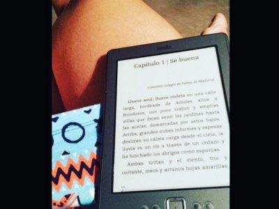 Ei: este mes puedes descargarte #sébuena a tu tablet y leer por 3€ la novela de #hadasadultas del verano. Búscala en Amazon y hazte con ella