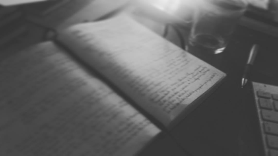 Buenos días, aquí mis notas de la #novela2017 y servidora :)) #amillsmorning #bondia