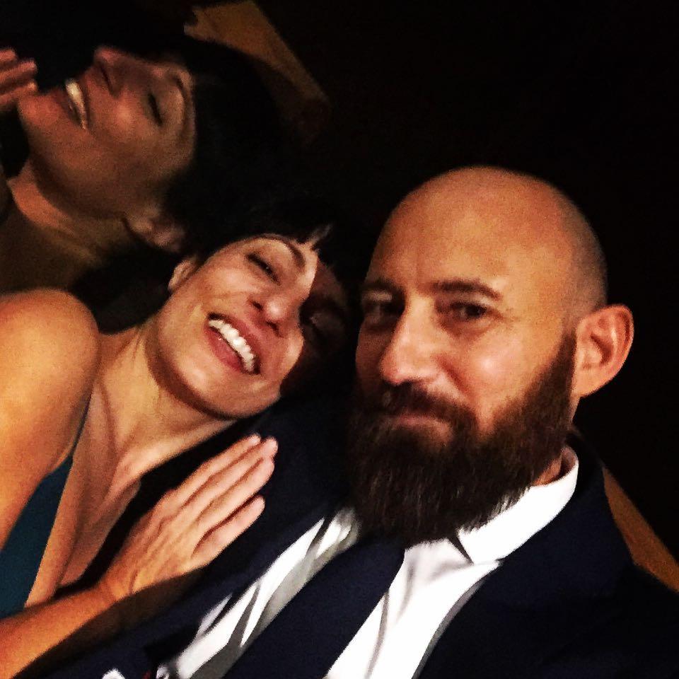 Retrato felice en la Tenuta de Ripolo con Marco Della Porta en la boda de Fabio ed Alessandra #fabioedalessandra