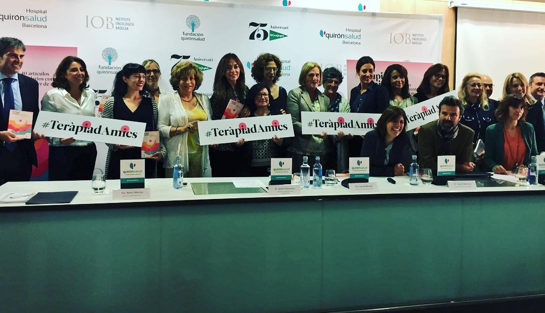 Es un honor ser uno de los corazones solidarios del libro #TeràpiaDAmics / Gràcies a tots els cors per fer-ho possible 10€ íntegres a recerca Càncer de Mama @quironsalud @elcorteingles #eresasombRosa #EciSeVisteDeRosa
