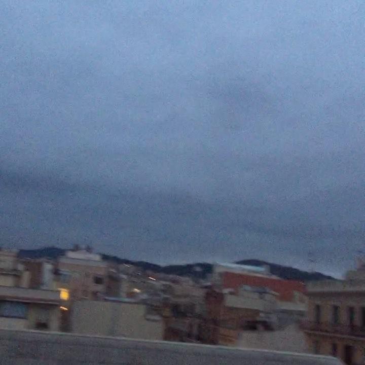 Aquí teniu un audio-bondia ben fresquet! #amillsmorning #bondia #buenosdias #goodmorning #morning #day #barcelona #barridegracia #daytime #sunrise #morn #awake #wakeup #wake #wakingup #ready #sleepy #sluggish #snooze #instagood #earlybird #algaida #photooftheday #gettingready #goingout #sunshine #instamorning #early #fresh #refreshed