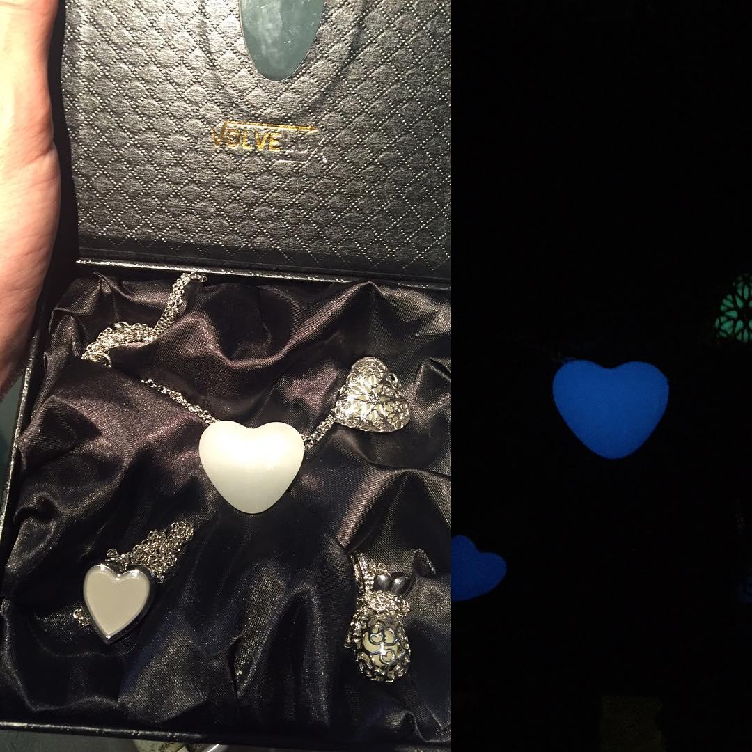 Podéis ver esto que he recibido en volvelux.com Gracias @volvelux me encantan estas joyas llenas de #amor