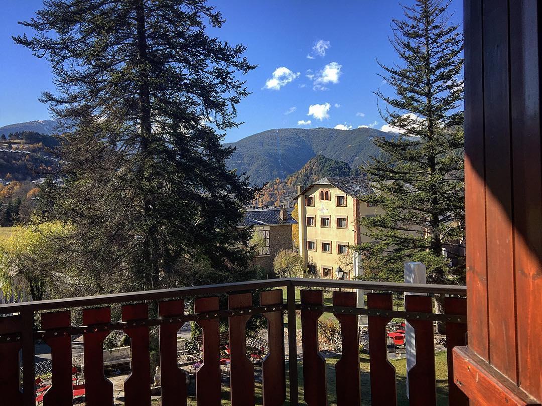 És cert, mireu les vistes que tinc, Ordino és el poble bonic d'#Andorra @Ordinoesviu @comudelamassana