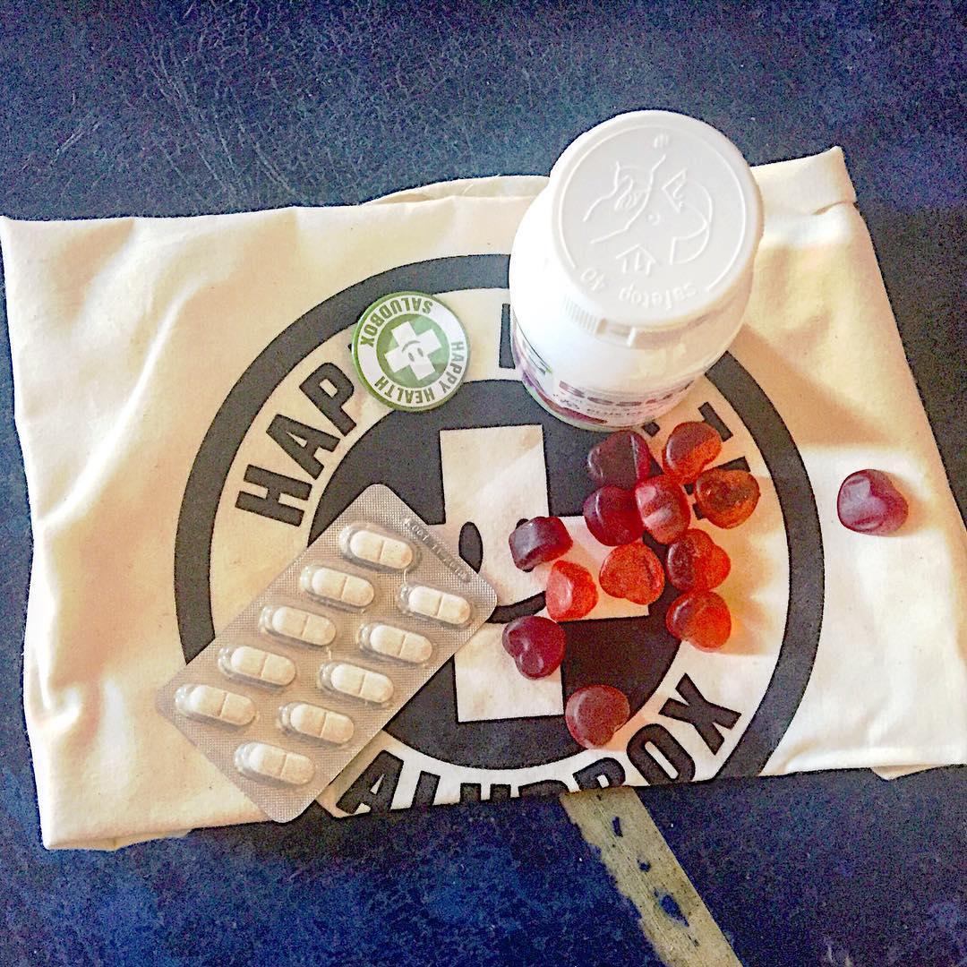 Me encantan estos comprimidos supervitaminados que me acaba de enviar @saludbox Gracias!!!!