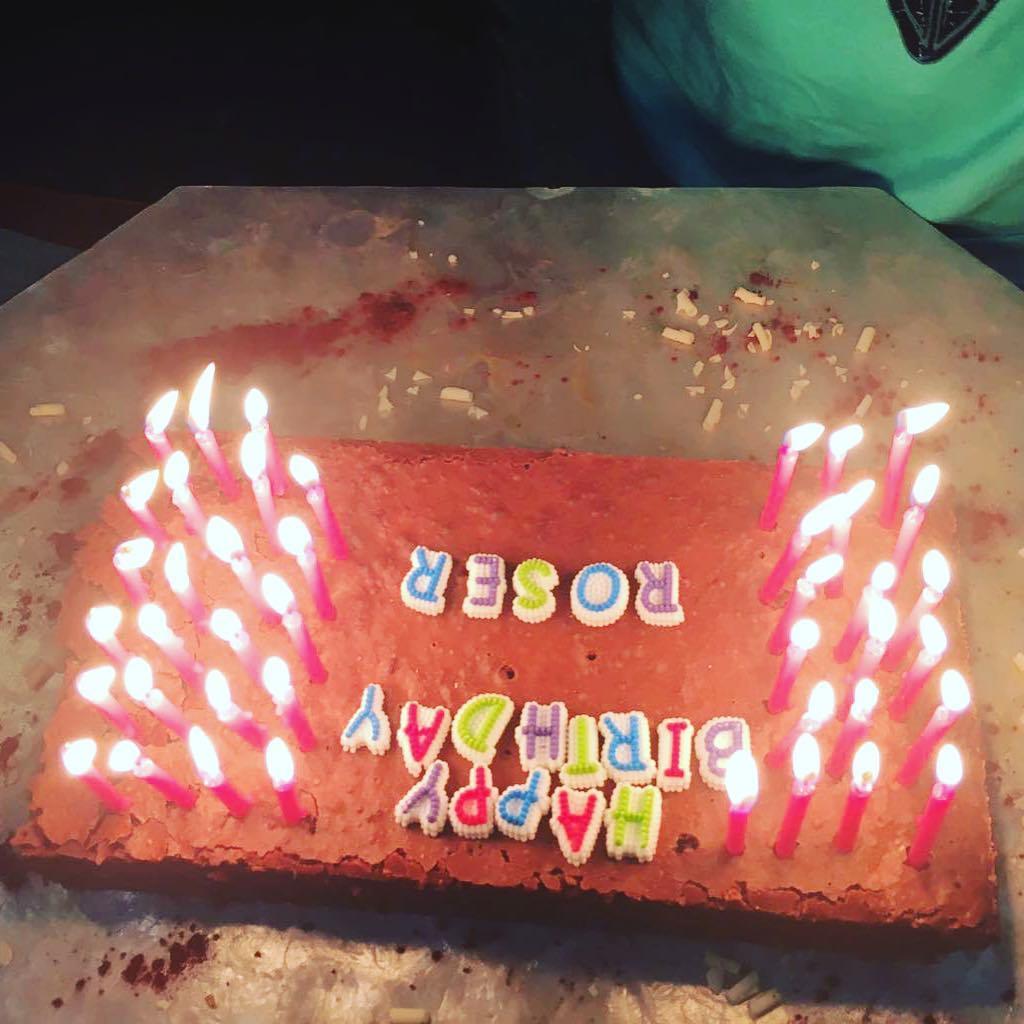 Una que cumple 42 ;)) Gracias @marco_blued las velas de EEUU