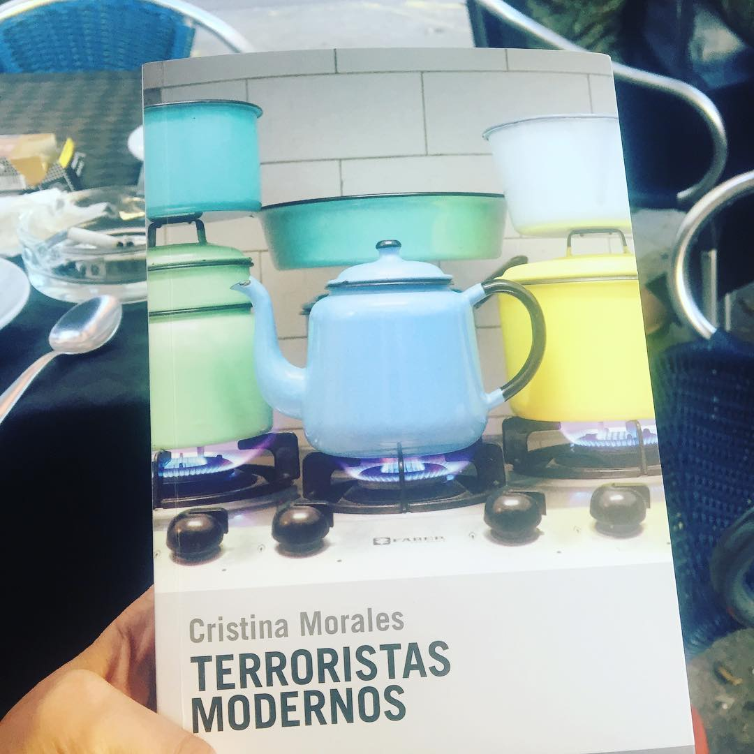 He empezado a leer #terroristasmodernos de Cristina Morales y no puedo parar! Bravo @olgaypaco ;))