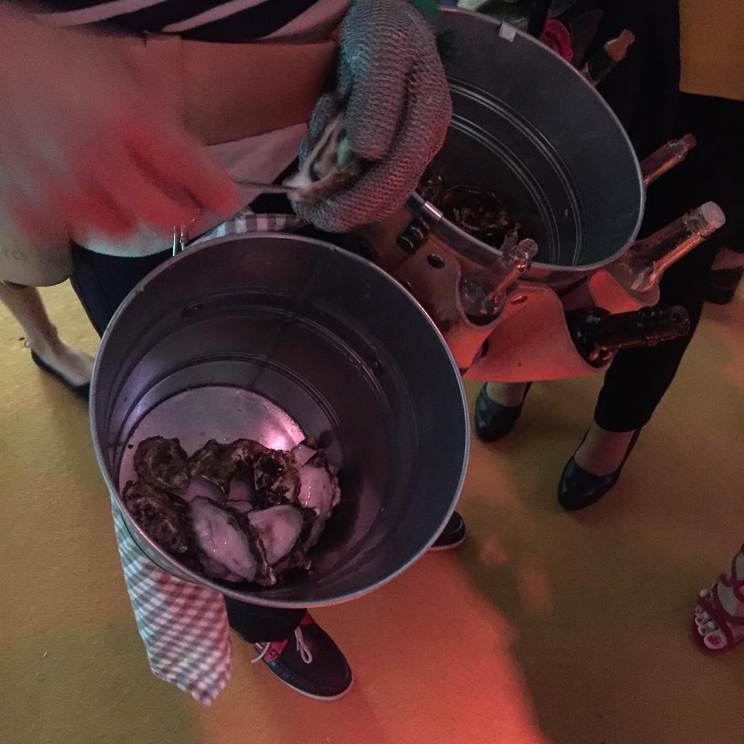 Maravilloso catering en la #bbfw17 ostras!