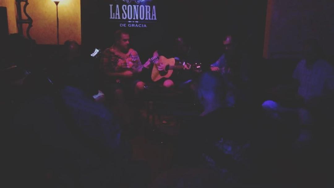 Muy buenos músicos en esta #jam en @lasonoradegracia ;))