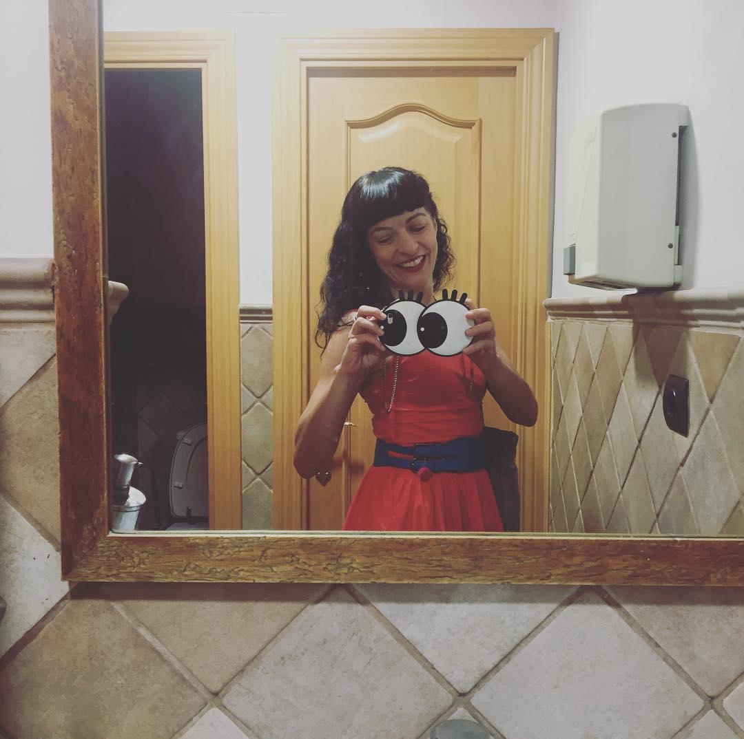 Ei #tardaobertatv3 no trobo els lavabos oficials i he anat a parar al #plato-2 restaurant :)) #amillspublicwc