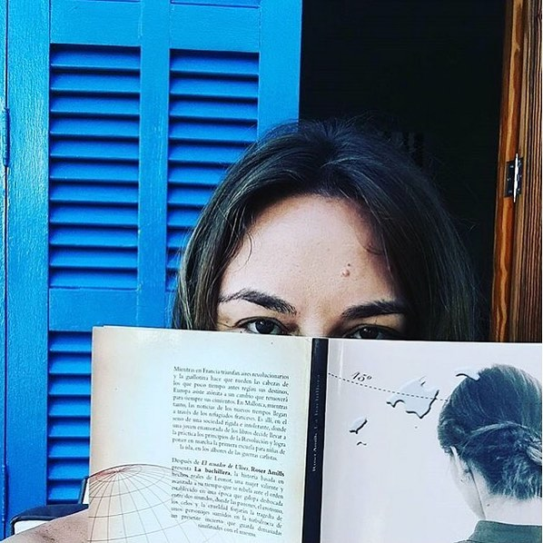 Gracias @mariacolomamairata por ser tan buena lectora de mis novelas y por esta foto con #labachillera