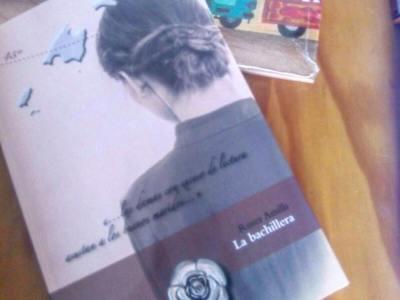 Agradezco cada nuevo lector de #labachillera y que me mandéis foto del libro en vuestras manos!