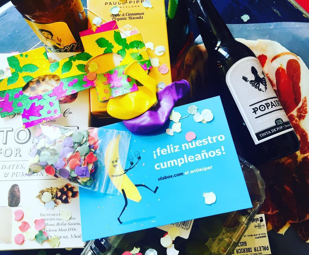 Menudos gamberrillos los de @ulabox !!! Es su cumpleaños y me envían ellos #confetti y regalos :)) Felicidades, majetes del #antisuper