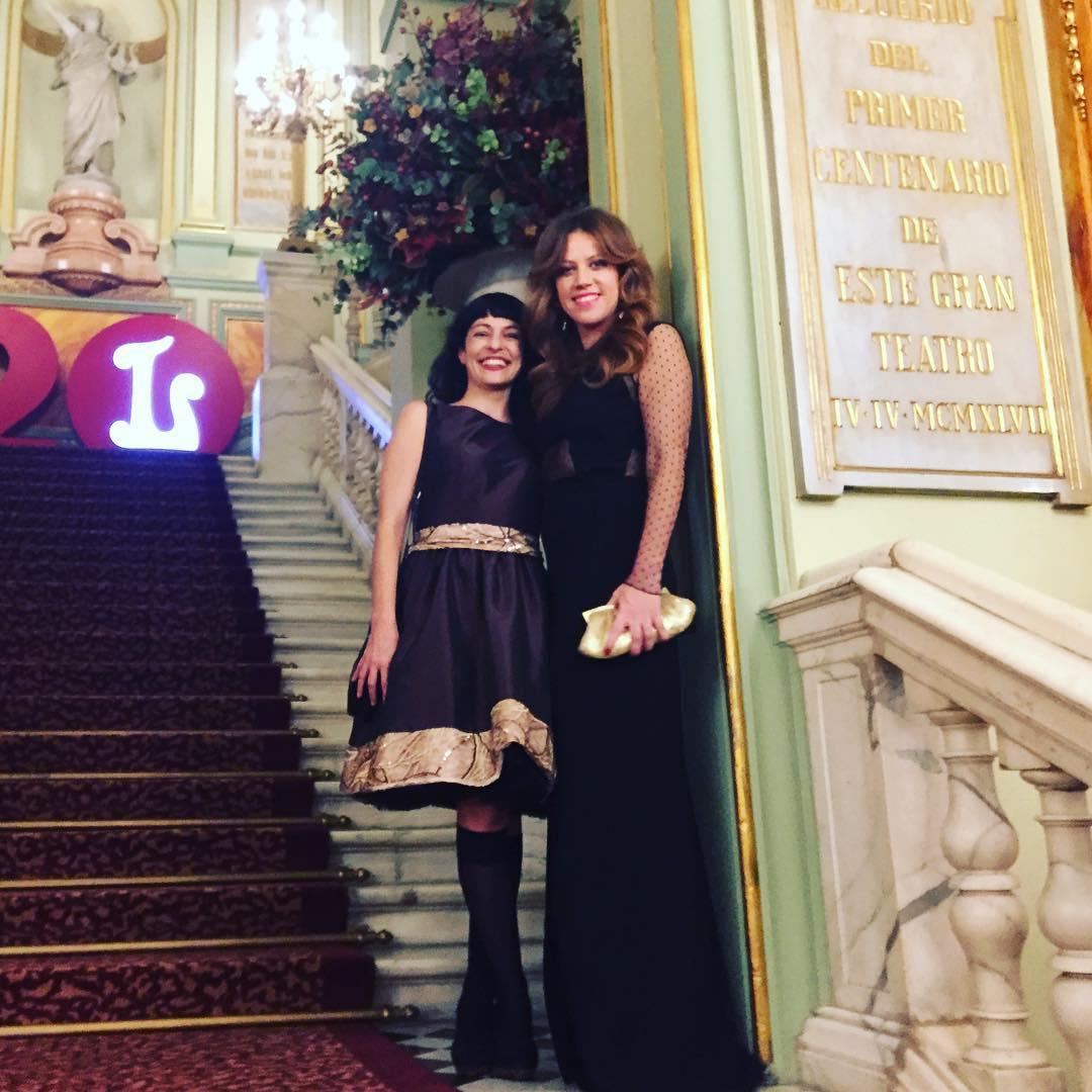 Roser Amills con @vanessa_hogarth en la Inauguración de temporada en @liceu_opera_barcelona Mi vestido es @ottovanrhuskbcn y el suyo @pilaroporto #unballoliceu