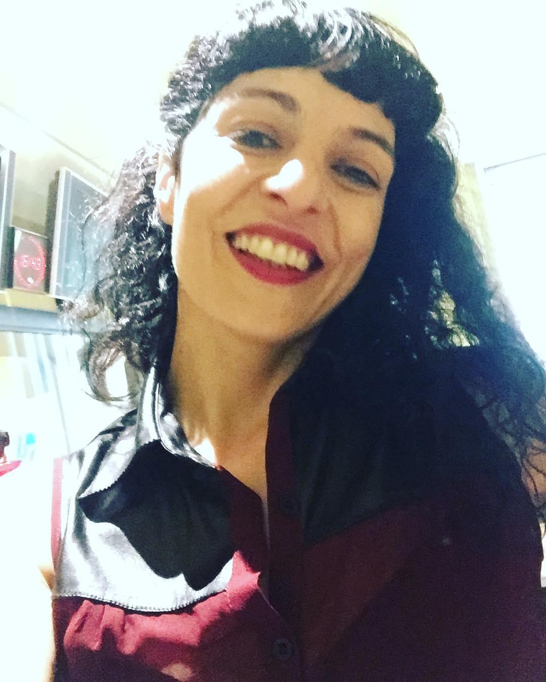 """Ara, no us perdeu l'#anemdetarda de #radio4 de #rne! A les 17h, en @goyoprados m'entrevista per parlar de la novel·la """"Asja"""" #asjalacis & #walterbenjamin"""