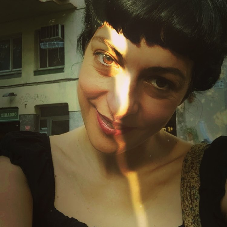 Me acaban de descubrir mi versión gatuna de ojos de colores, qué os parece?