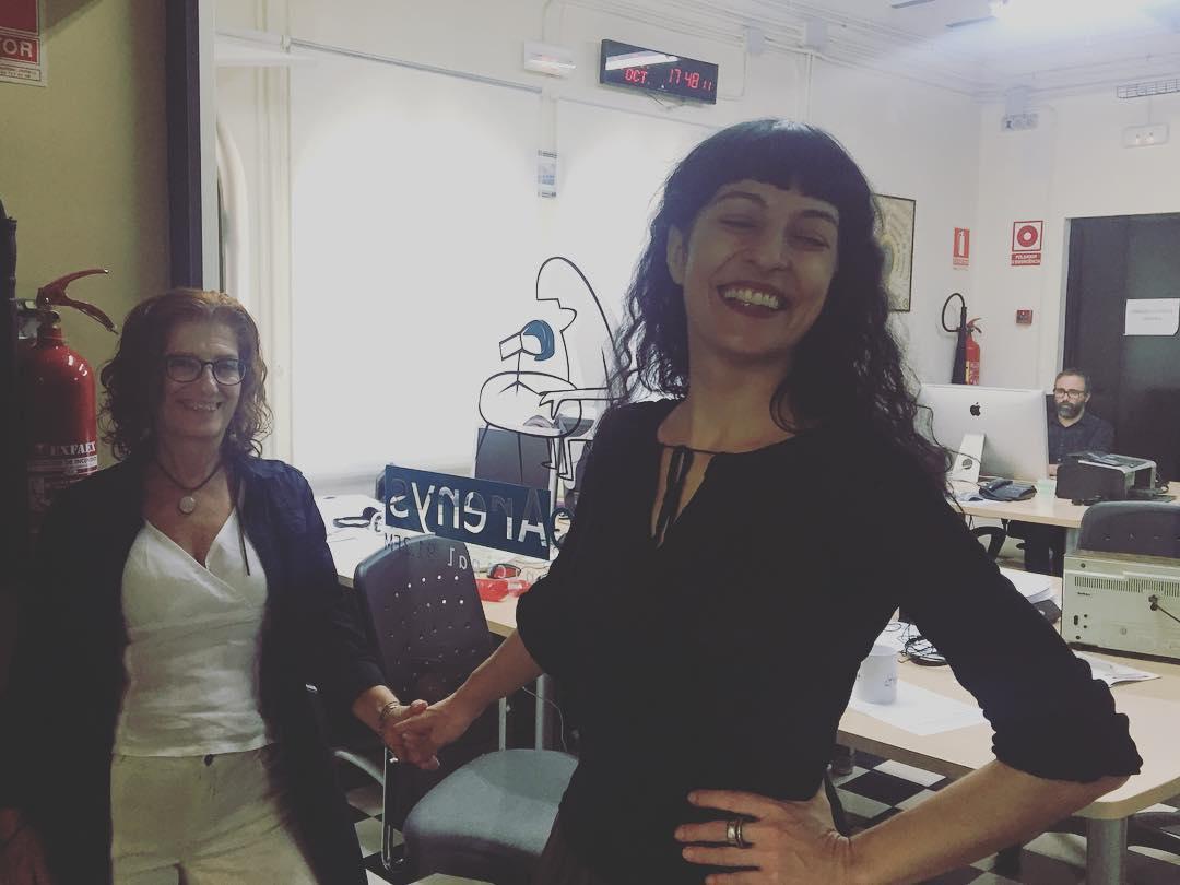 Ara, i fins les 21h, seré amb la Maribel a @radioarenys Escolteu-nos!