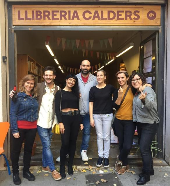"""Signo """"Asja"""" a la parada de la llibreria Calders de l'Antic Teatre (de 13 a 14h)"""