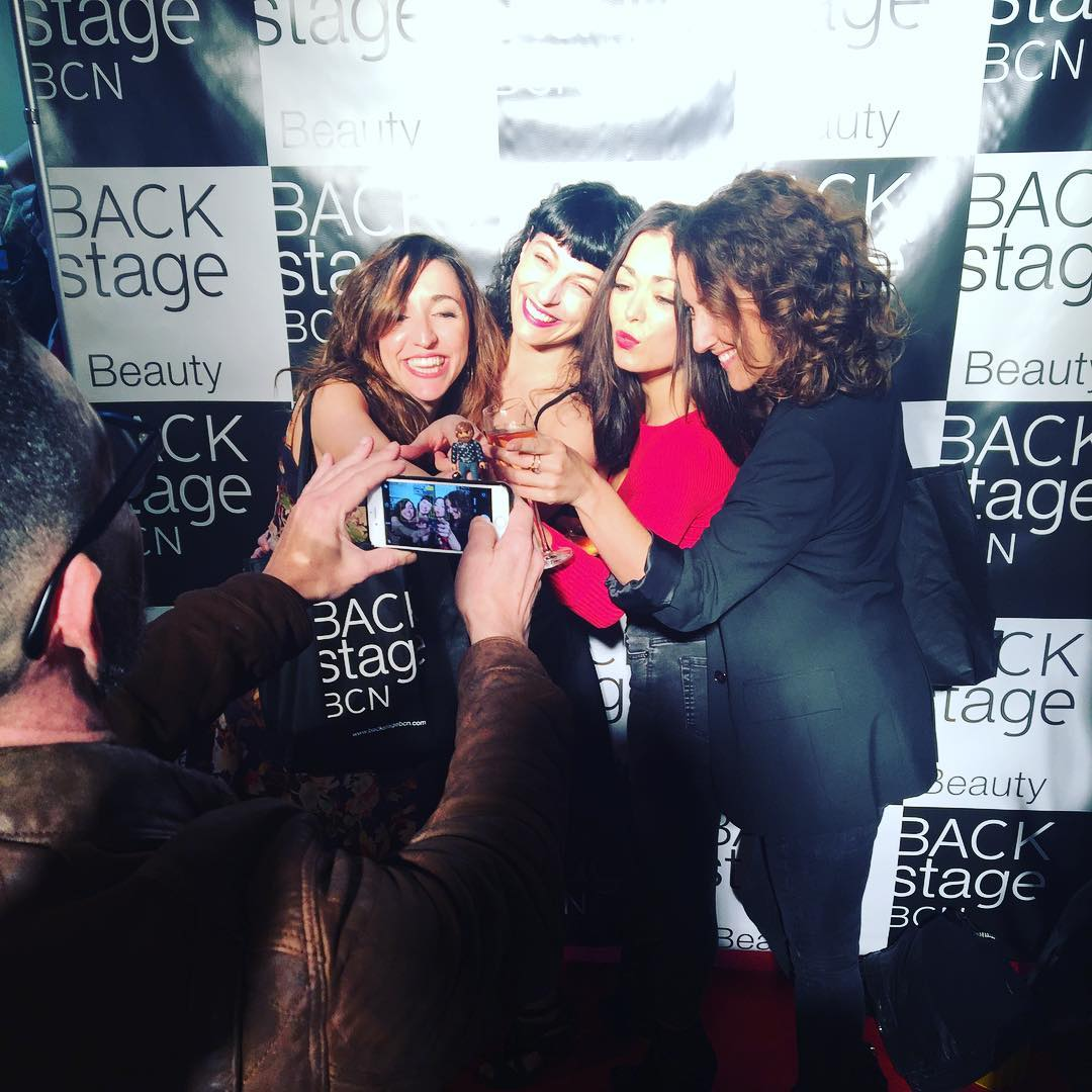 Hoy @backstagebcn está de fiesta y nosotras también @anniloki @annabertran @betsyturnez