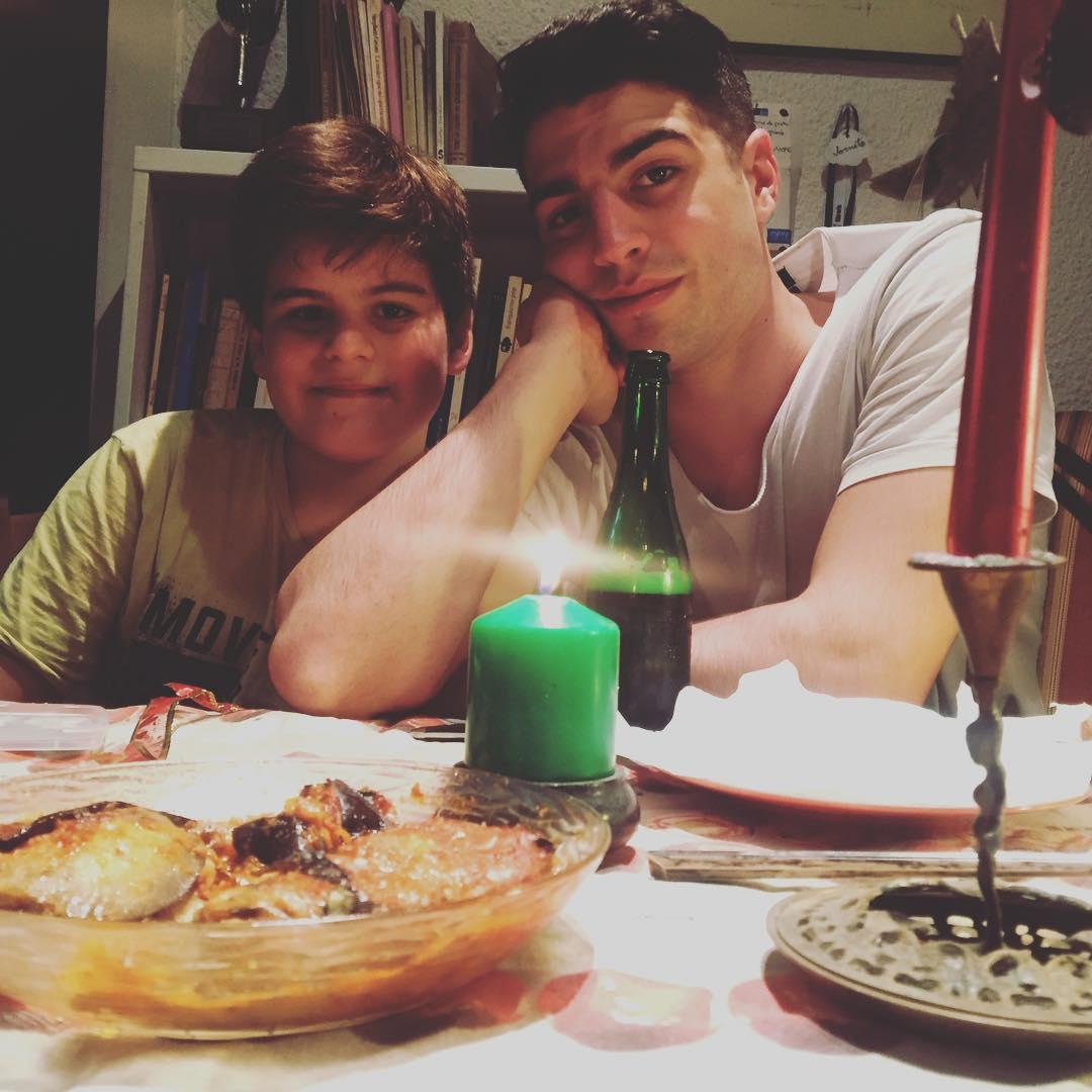 Mis dos preciosos hijos también os desean #feliznochebuenaatodos :))